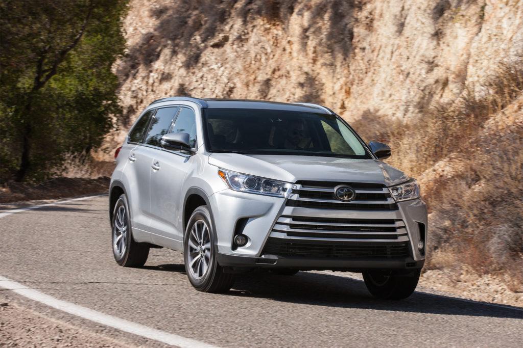 2017-Toyota-Highlander-1024x683